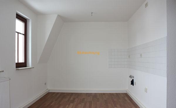 Schöne Dachgeschosswohnung in Löbau - 215,00 Euro + NK